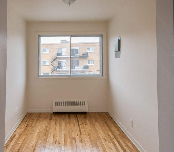 2 bedroom Apartments for rent in Lachine at Lachine Plaza - Photo 07 - RentQuebecApartments – L10038