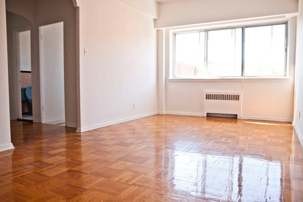 Studio / Bachelor Apartments for rent in Notre-Dame-de-Grace at Longpre - Photo 03 - RentQuebecApartments – L1035