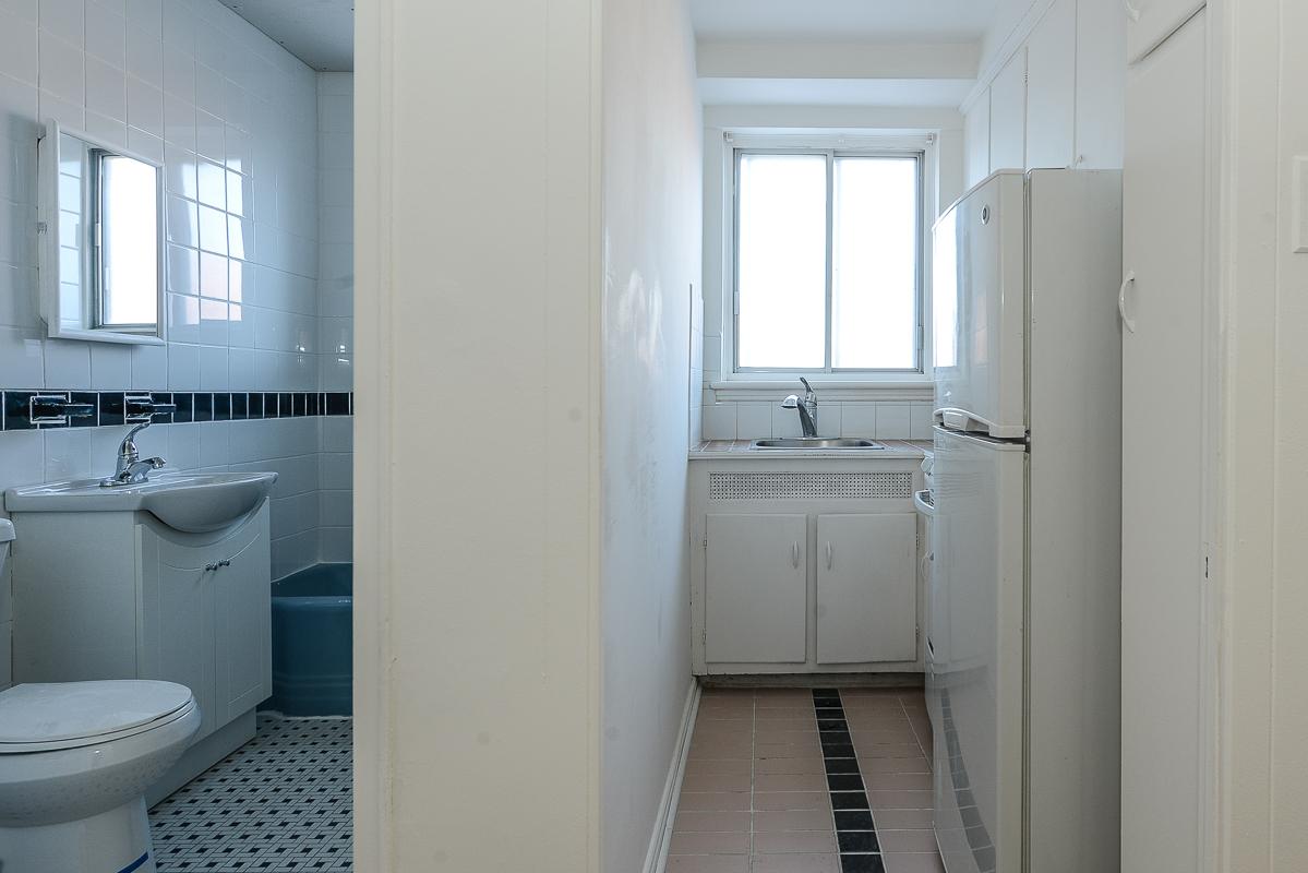 Studio / Bachelor Apartments for rent in Notre-Dame-de-Grace at Longpre - Photo 06 - RentQuebecApartments – L1035