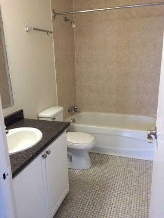 Studio / Bachelor Apartments for rent in Gatineau-Hull at Habitat du Lac Leamy - Photo 01 - RentQuebecApartments – L9125