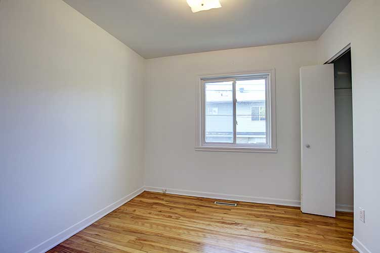 2 bedroom Townhouses for rent in Pointe-Claire at Tudor Court - Photo 06 - RentQuebecApartments – L9821