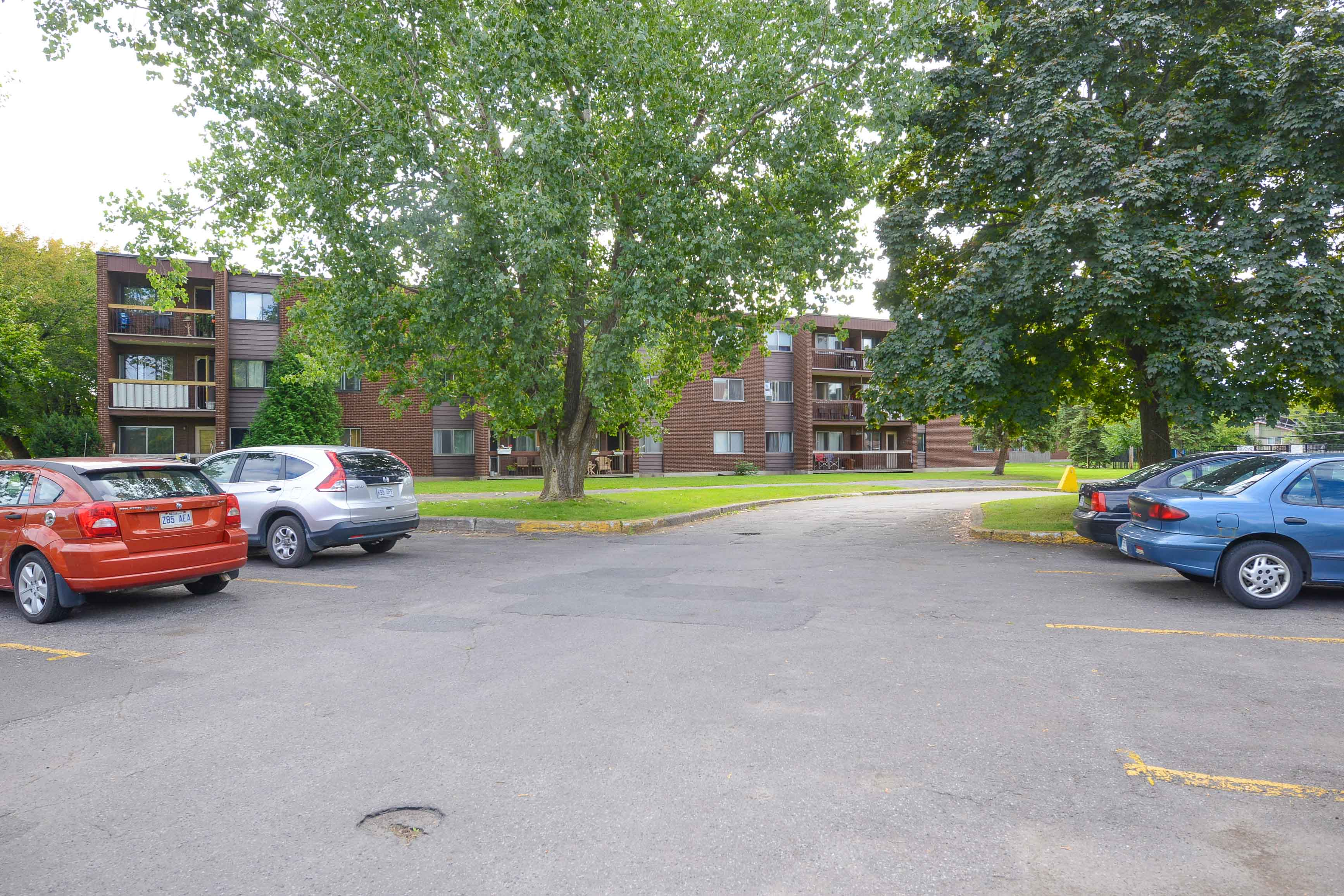 3 bedroom Apartments for rent in Saint Lambert at Projets Preville 1 - Photo 01 - RentQuebecApartments – L5110