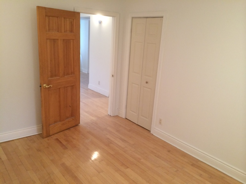 1 bedroom Apartments for rent in Cote-des-Neiges at 4201 Decarie - Photo 09 - RentQuebecApartments – L146808