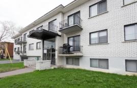 2 bedroom Apartments for rent in Ville St-Laurent - Bois-Franc at 2020 Cote Vertu - Photo 01 - RentQuebecApartments – L10046