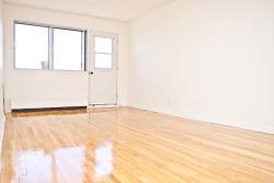 Studio / Bachelor Apartments for rent in Notre-Dame-de-Grace at 2350 Rue Mariette - Photo 05 - RentQuebecApartments – L1241