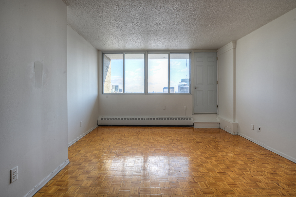 Studio / Bachelor Apartments for rent in Montreal (Downtown) at St Urbain - Photo 02 - RentQuebecApartments – L1057