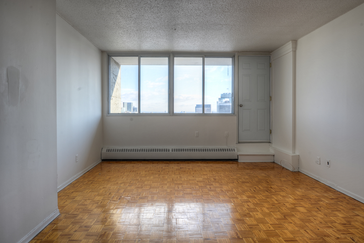 Studio / Bachelor Apartments for rent in Montreal (Downtown) at St Urbain - Photo 03 - RentQuebecApartments – L1057