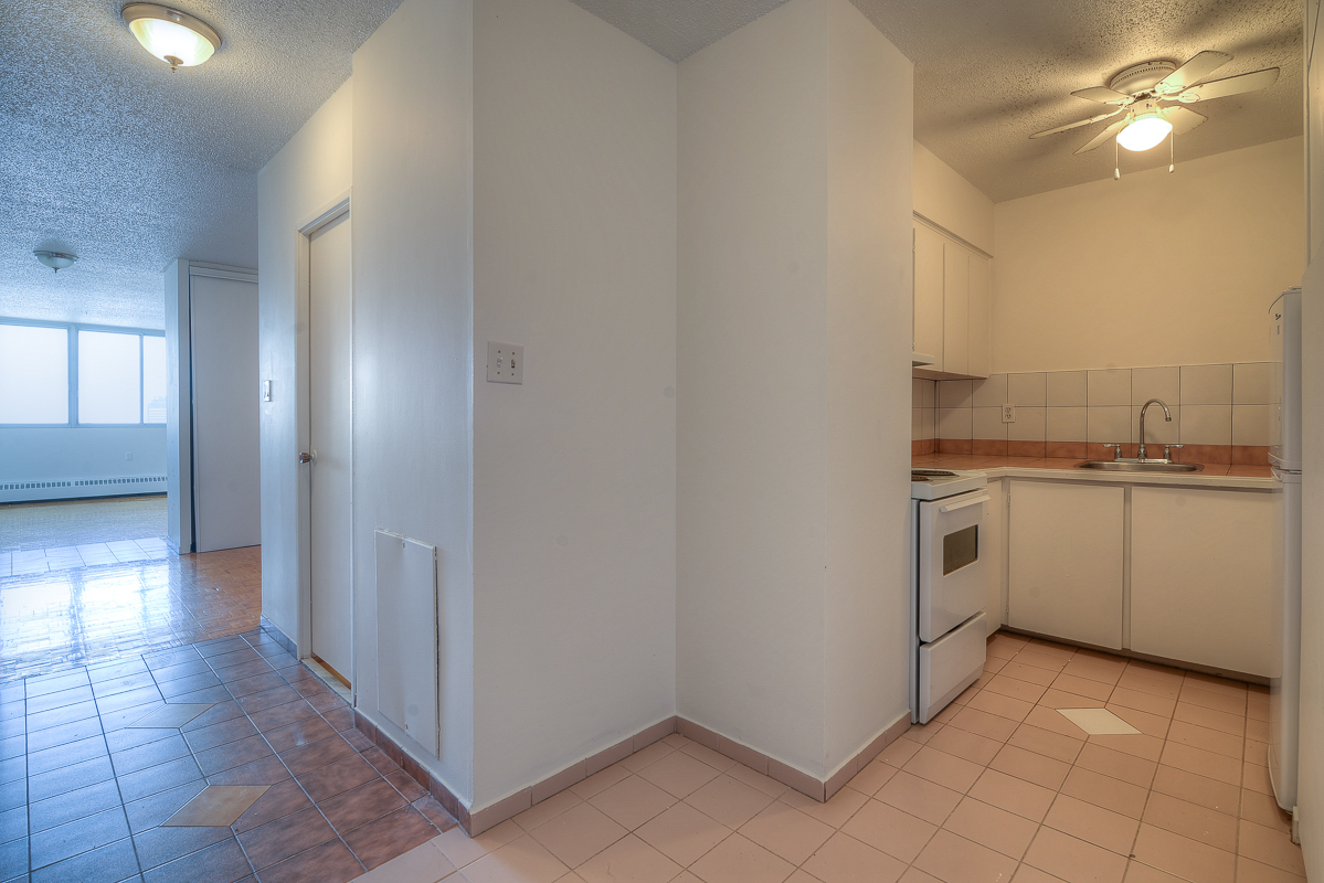 Studio / Bachelor Apartments for rent in Montreal (Downtown) at St Urbain - Photo 08 - RentQuebecApartments – L1057