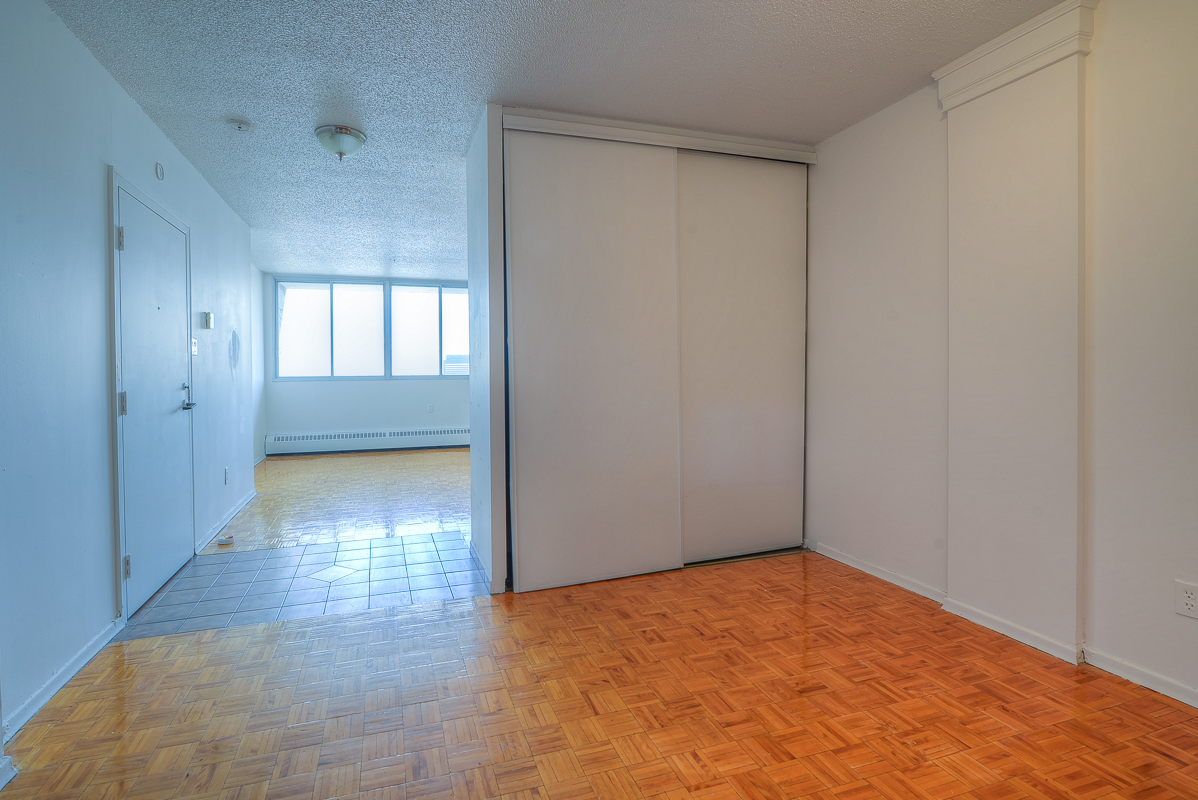 Studio / Bachelor Apartments for rent in Montreal (Downtown) at St Urbain - Photo 10 - RentQuebecApartments – L1057