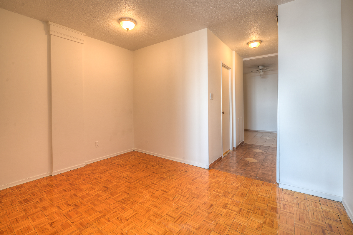 Studio / Bachelor Apartments for rent in Montreal (Downtown) at St Urbain - Photo 12 - RentQuebecApartments – L1057