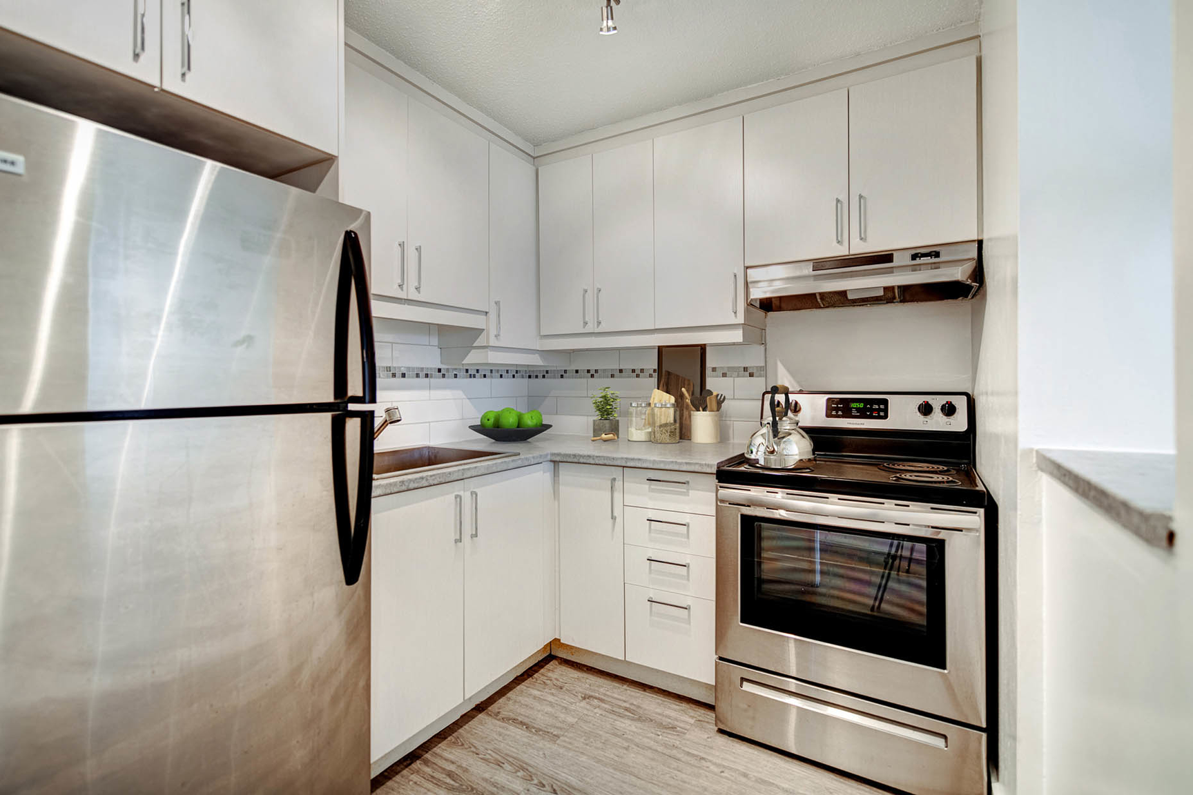 Studio / Bachelor Apartments for rent in Nuns' Island at Hi-Rise 4 - Photo 03 - RentQuebecApartments – L407154