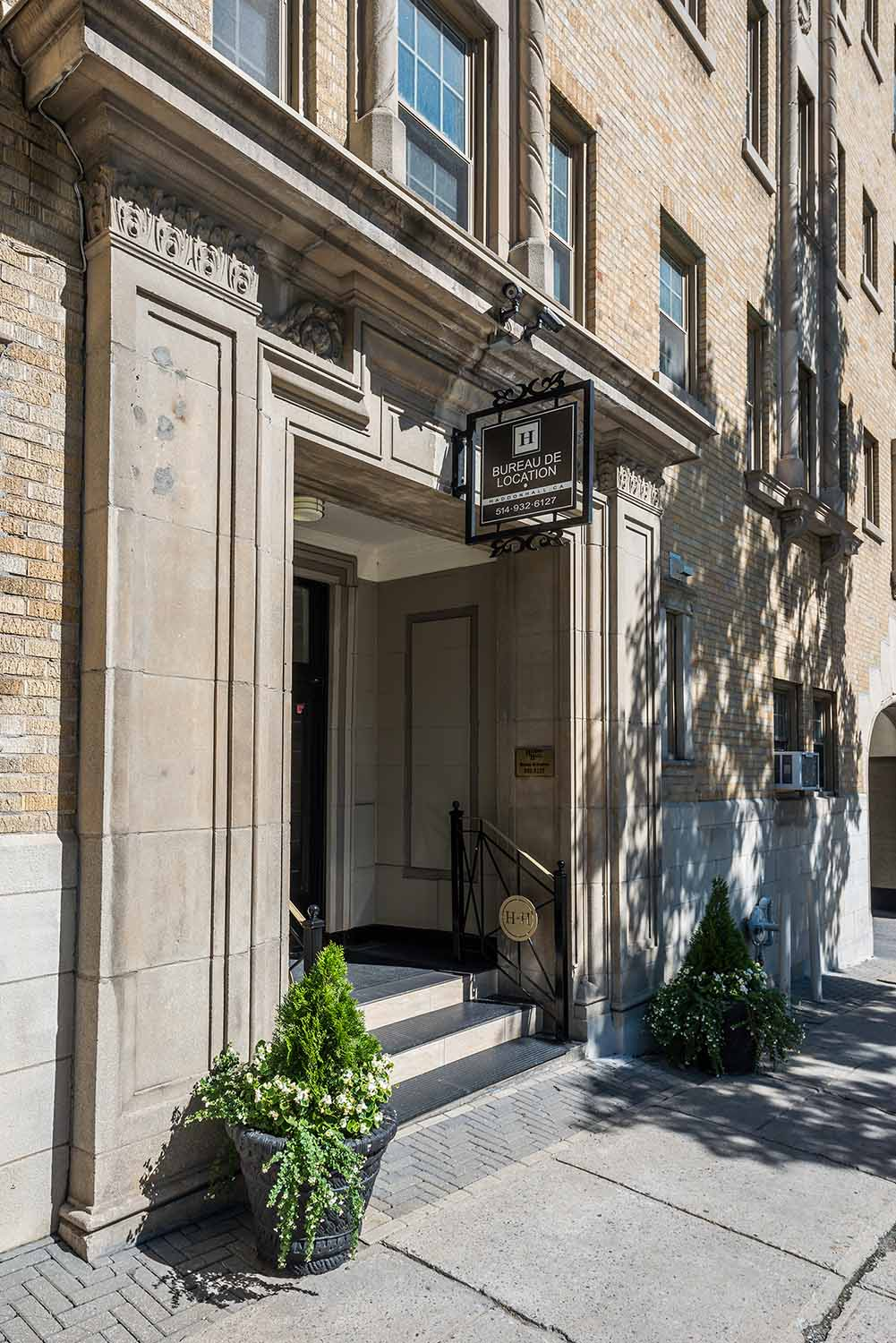 Studio / Bachelor Apartments for rent in Montreal (Downtown) at Haddon Hall - Photo 03 - RentQuebecApartments – L8020