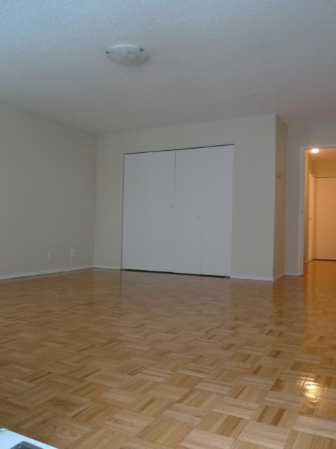 1 bedroom Penthouses for rent in Montreal (Downtown) at 1819 Maisonneuve West - Photo 04 - RentQuebecApartments – L3751