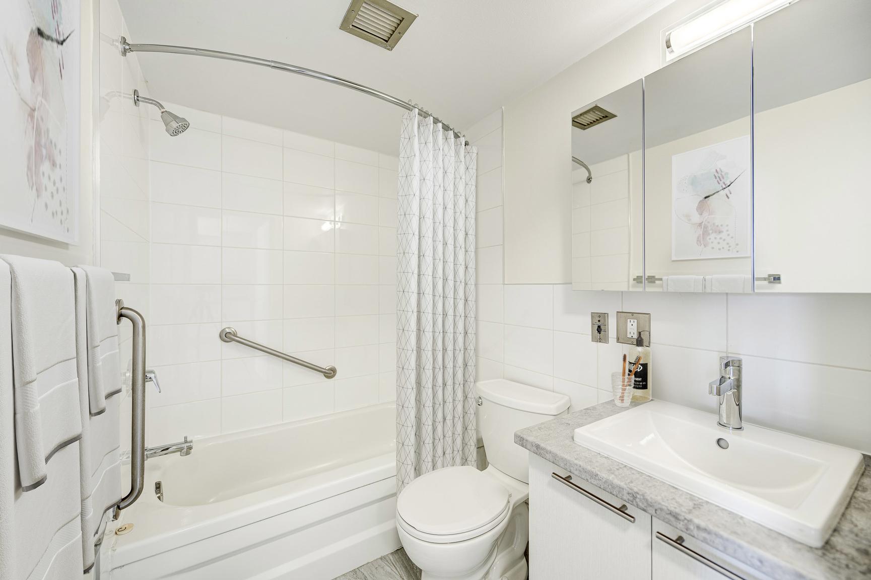 2 bedroom Apartments for rent in Laval at Le Quatre Cent - Photo 05 - RentQuebecApartments – L407185