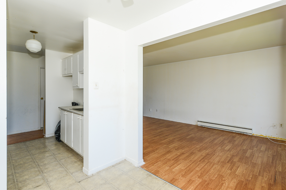 2 bedroom Apartments for rent in Laval at 5085 Notre Dame - Photo 08 - RentQuebecApartments – L28111