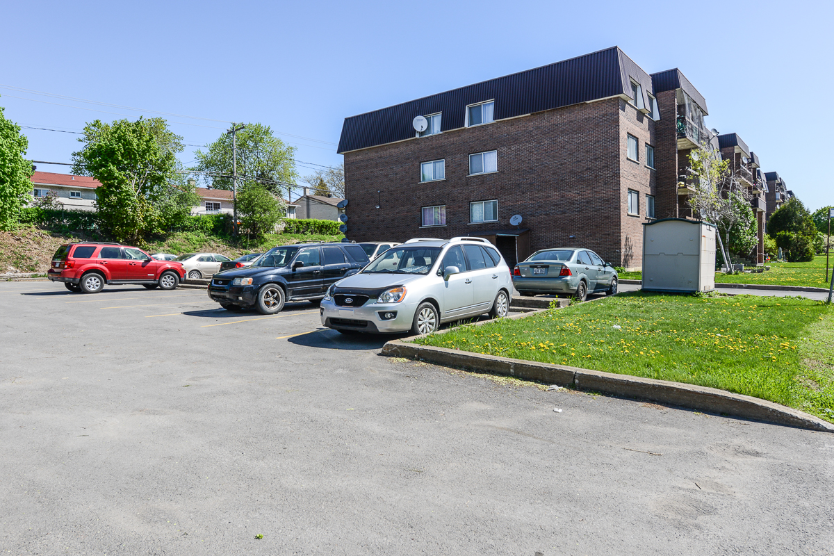 2 bedroom Apartments for rent in Laval at 5085 Notre Dame - Photo 12 - RentQuebecApartments – L28111