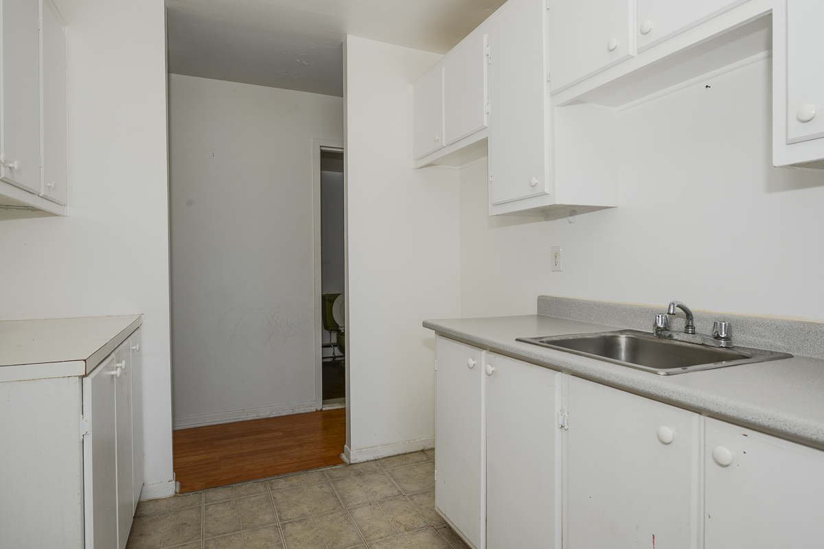 2 bedroom Apartments for rent in Laval at 5085 Notre Dame - Photo 15 - RentQuebecApartments – L28111