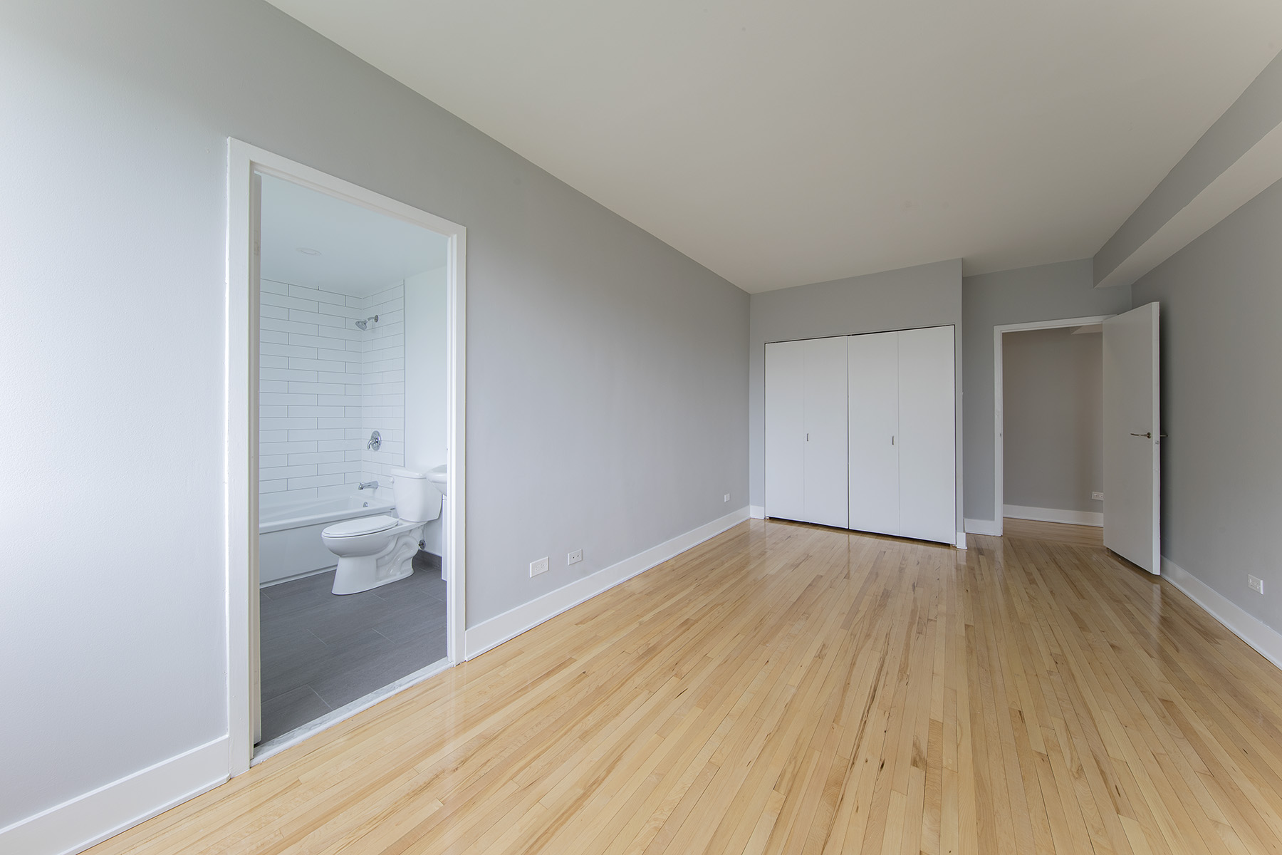 1 bedroom Apartments for rent in Cote-St-Luc at 5765 Cote St-Luc - Photo 05 - RentQuebecApartments – L401532