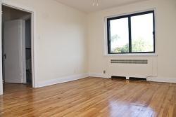3 bedroom Apartments for rent in Notre-Dame-de-Grace at 4655 Bonavista - Photo 01 - RentQuebecApartments – L129241