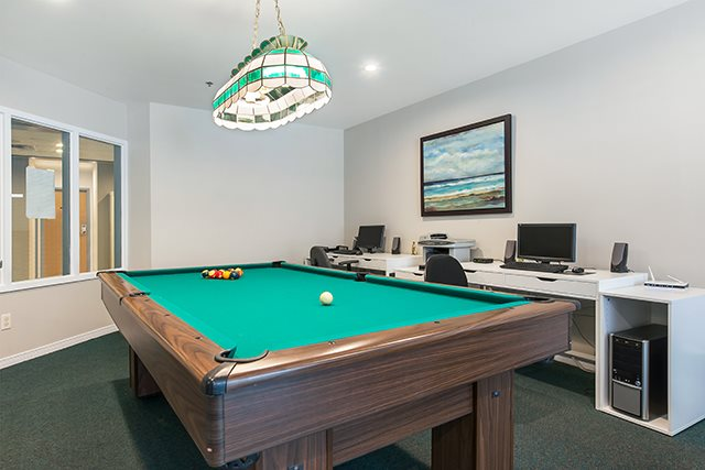 2 bedroom 55+ Apartments for rent in Pointe-Claire at LEsterel - Photo 01 - RentQuebecApartments – L342504
