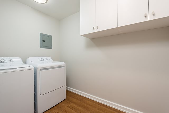 2 bedroom 55+ Apartments for rent in Pointe-Claire at LEsterel - Photo 02 - RentQuebecApartments – L342504