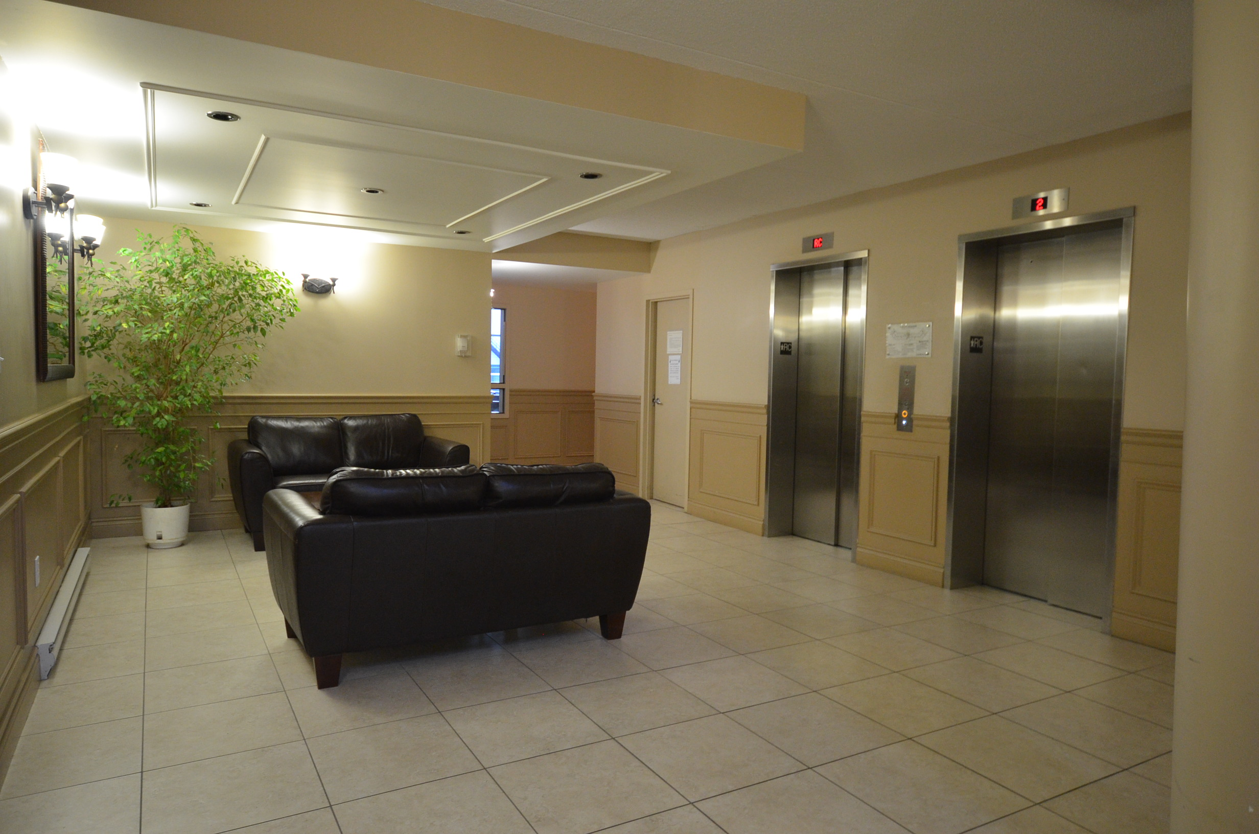 2 bedroom Apartments for rent in Sainte Therese at Bourg du Village - Photo 03 - RentQuebecApartments – L8008