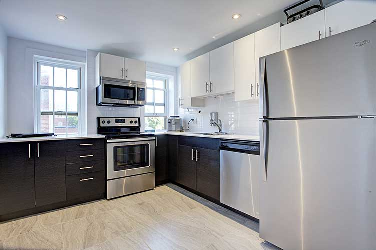 1 bedroom Apartments for rent in Westmount at 4560 Ste Catherine West - Photo 05 - RentQuebecApartments – L9818
