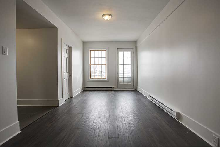1 bedroom Apartments for rent in Westmount at 4560 Ste Catherine West - Photo 06 - RentQuebecApartments – L9818