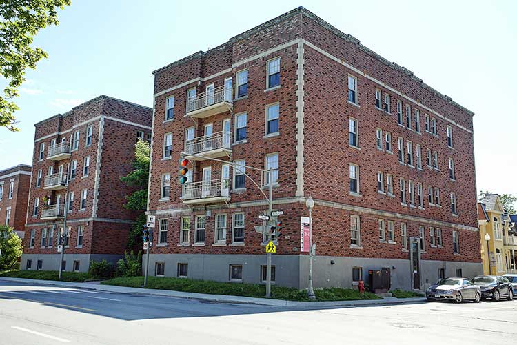 1 bedroom Apartments for rent in Westmount at 4560 Ste Catherine West - Photo 09 - RentQuebecApartments – L9818