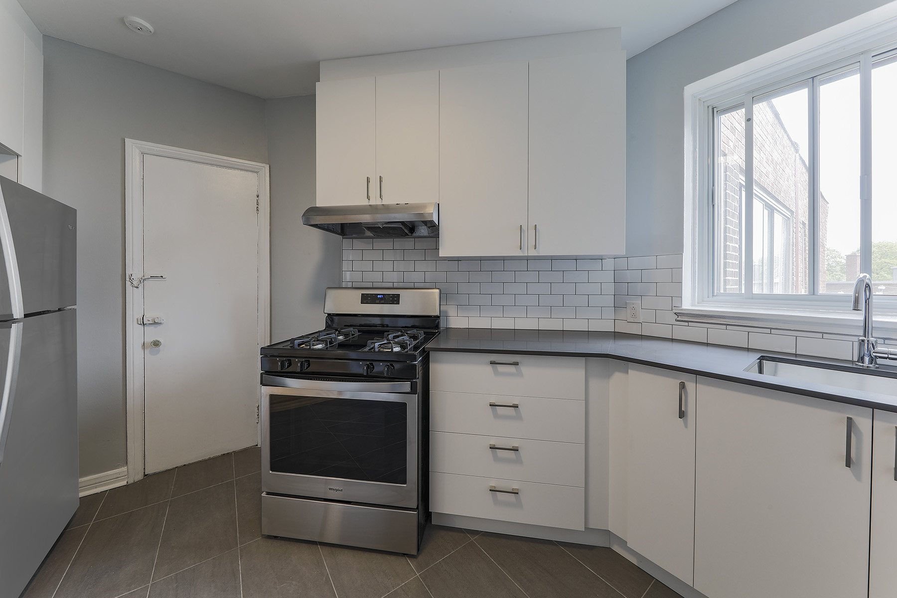 Studio / Bachelor Apartments for rent in Notre-Dame-de-Grace at 6325 Somerled - Photo 05 - RentQuebecApartments – L401539