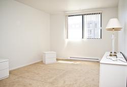 2 bedroom Apartments for rent in Ville-Lasalle at Toulon sur Mer - Photo 04 - RentQuebecApartments – L6200