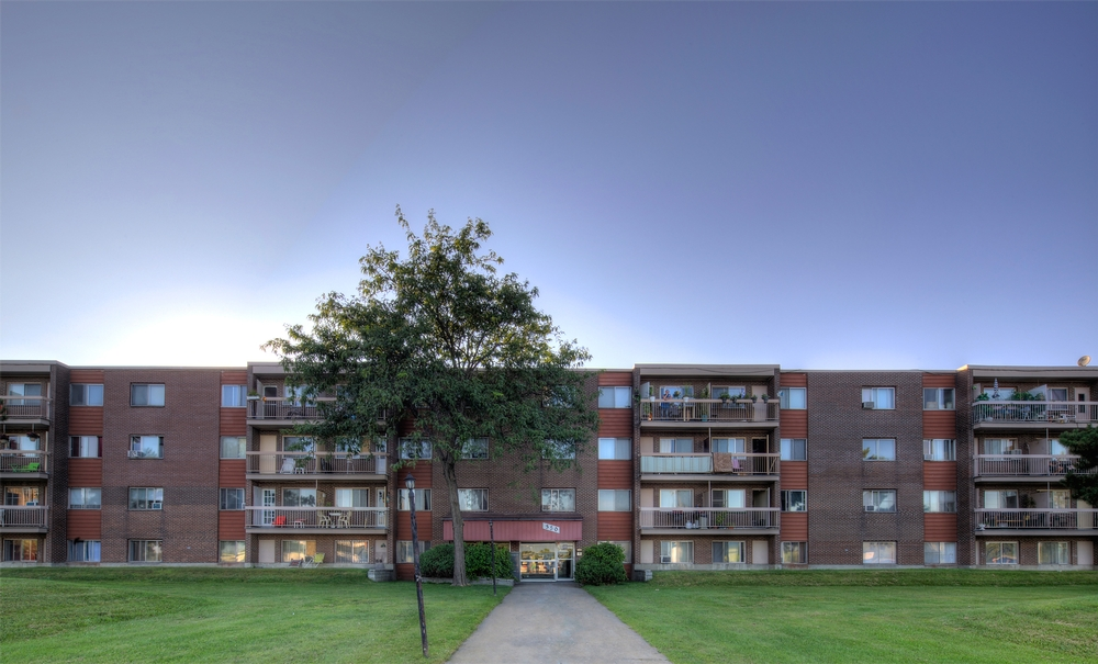 2 bedroom Apartments for rent in Laval at Papineau Leblanc - Photo 02 - RentQuebecApartments – L9530