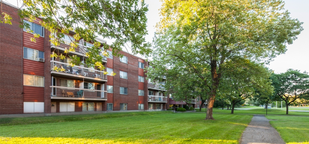 2 bedroom Apartments for rent in Laval at Papineau Leblanc - Photo 05 - RentQuebecApartments – L9530