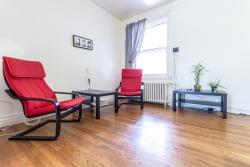 furnished 2 bedroom Apartments for rent in Cote-des-Neiges at 2219-2229 Edouard-Montpetit - Photo 02 - RentQuebecApartments – L1105