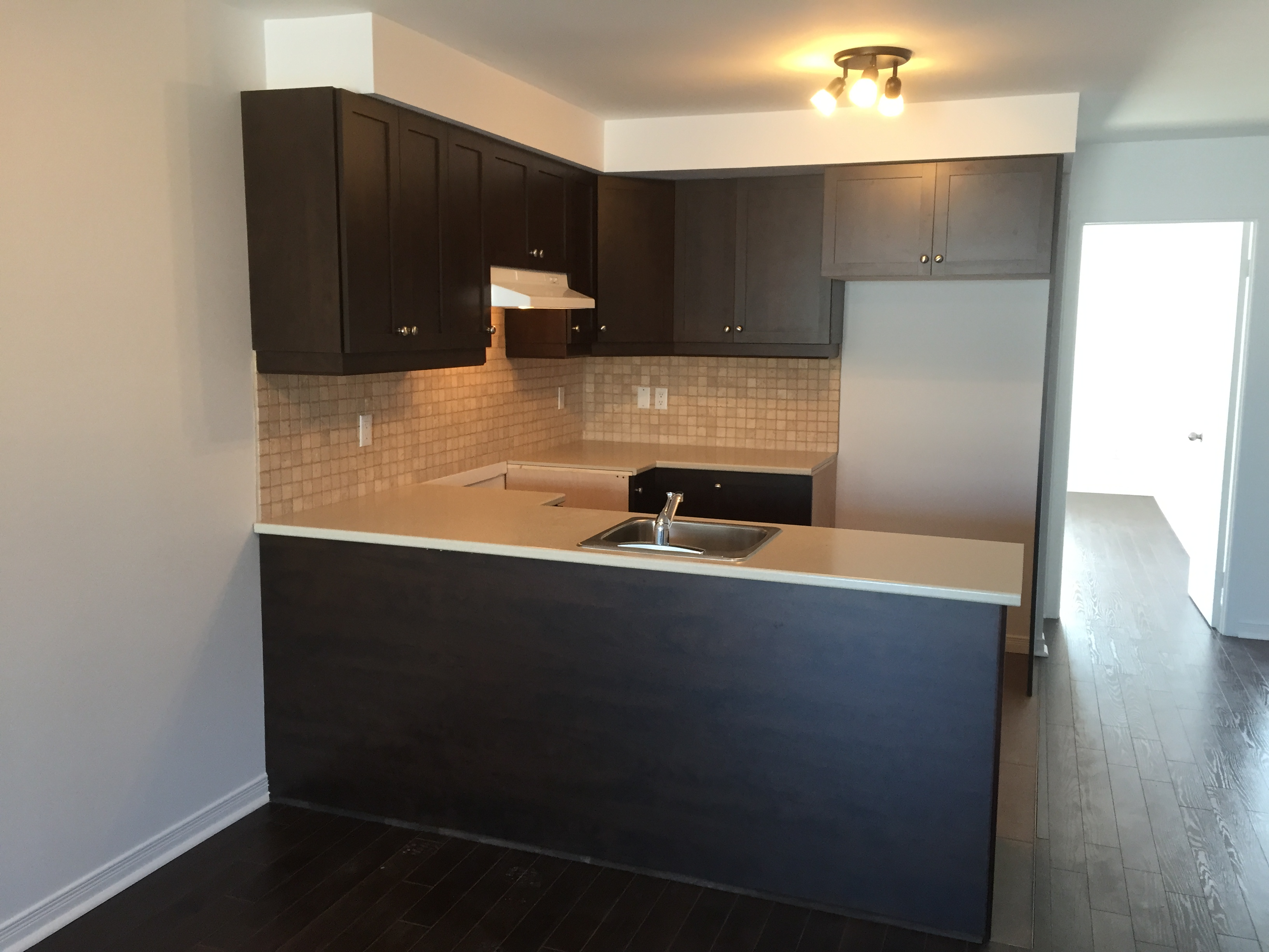 2 bedroom Apartments for rent in Pierrefonds-Roxboro at 18045-18125 Pierrefonds Boulevard - Photo 04 - RentQuebecApartments – L266033