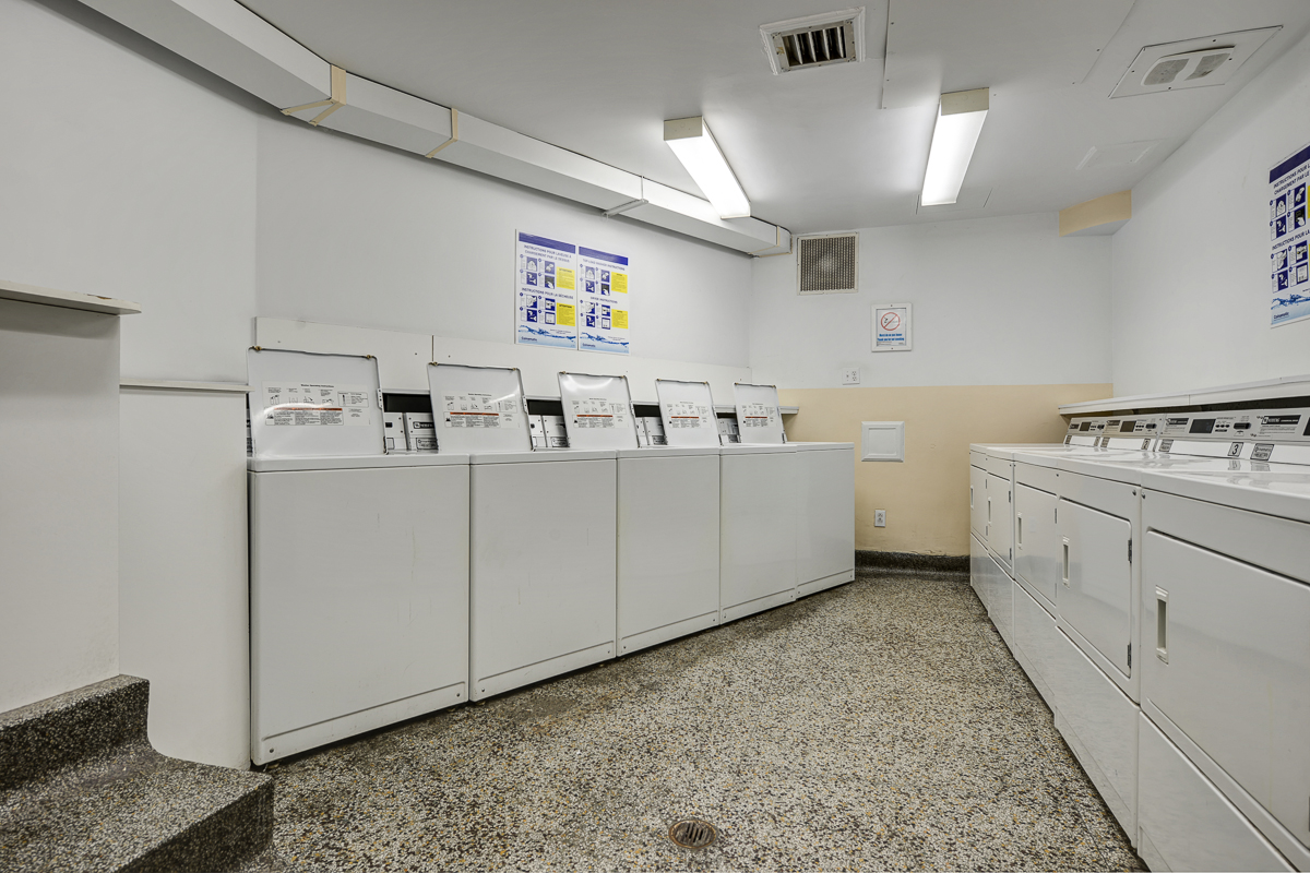 Studio / Bachelor Apartments for rent in Montreal (Downtown) at 1420 St Mathieu - Photo 07 - RentQuebecApartments – L1748