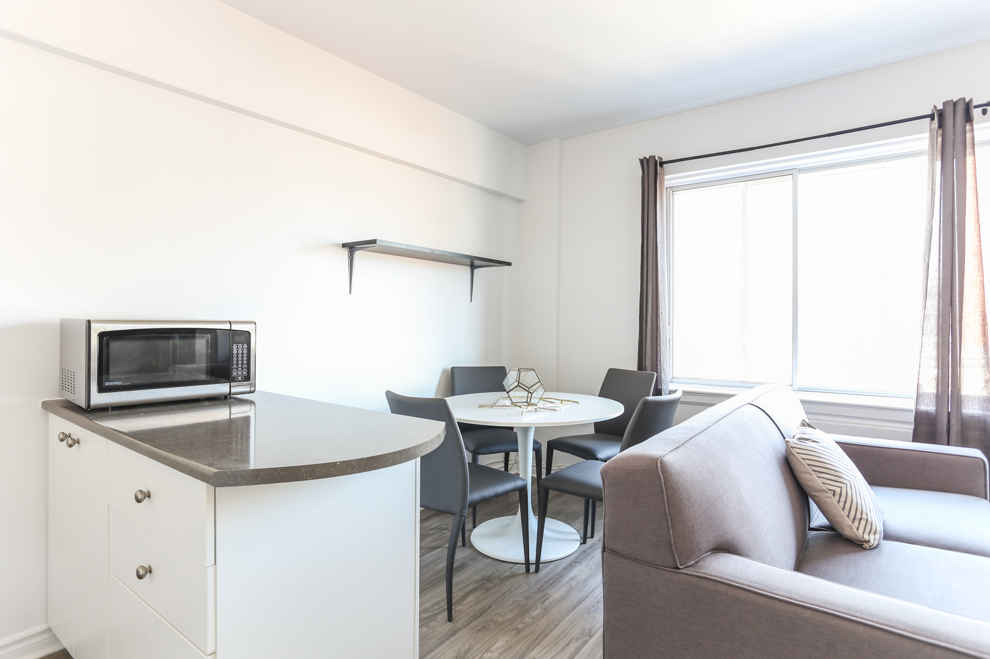 Studio / Bachelor Apartments for rent in Montreal (Downtown) at 1420 St Mathieu - Photo 08 - RentQuebecApartments – L1748