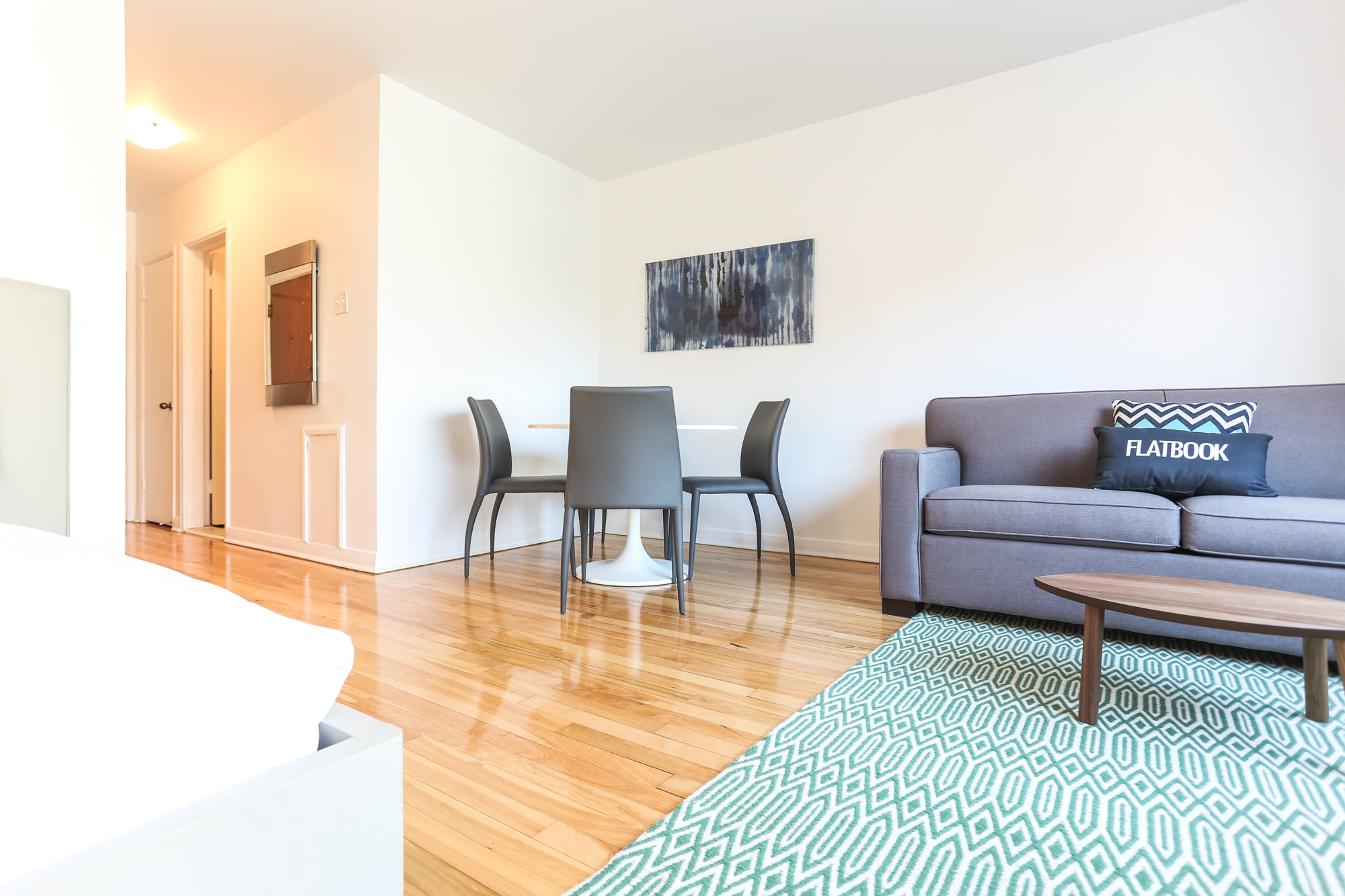 Studio / Bachelor Apartments for rent in Montreal (Downtown) at 1420 St Mathieu - Photo 12 - RentQuebecApartments – L1748