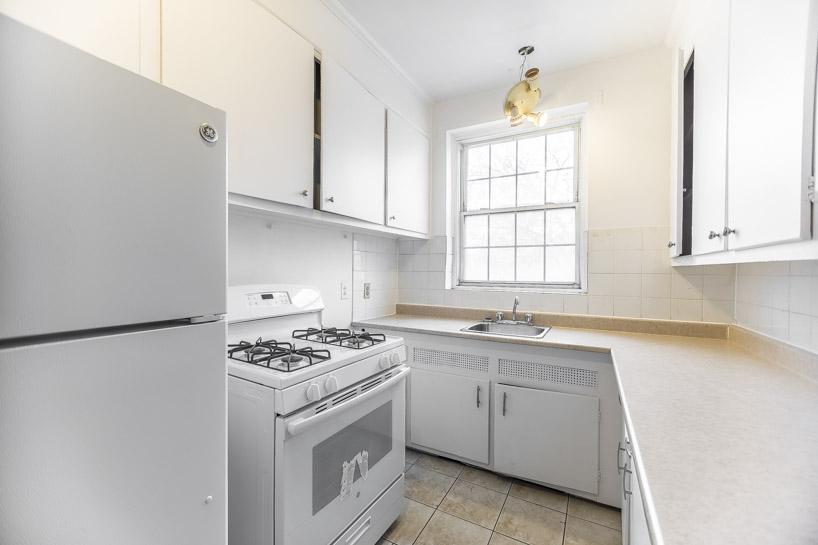 1 bedroom Apartments for rent in Cote-des-Neiges at Highland Park - Photo 02 - RentQuebecApartments – L5823