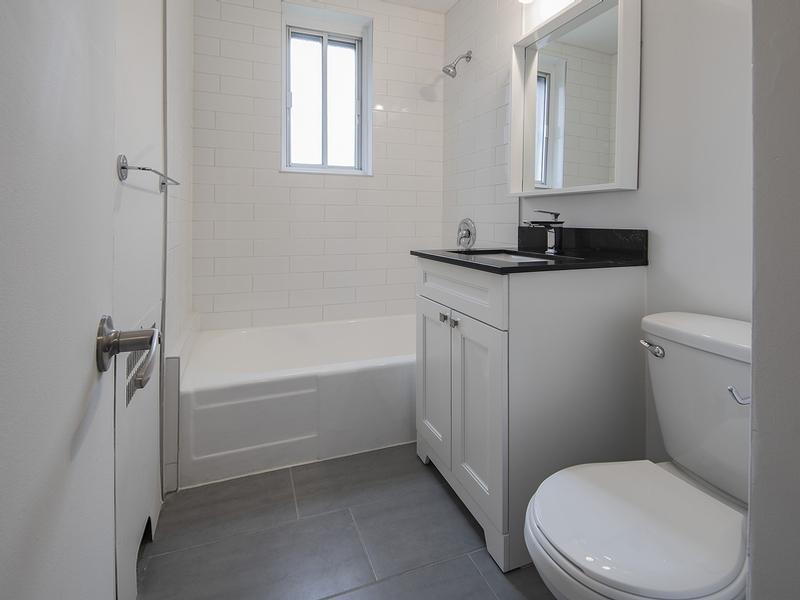 2 bedroom Apartments for rent in Cote-St-Luc at Les immeubles MacDonald - Photo 07 - RentQuebecApartments – L401536
