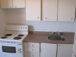 2 bedroom Apartments for rent in Cote-St-Luc at Pavillon Highrise - Photo 01 - RentQuebecApartments – L5787