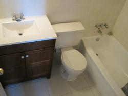 2 bedroom Apartments for rent in Cote-St-Luc at Pavillon Highrise - Photo 02 - RentQuebecApartments – L5787