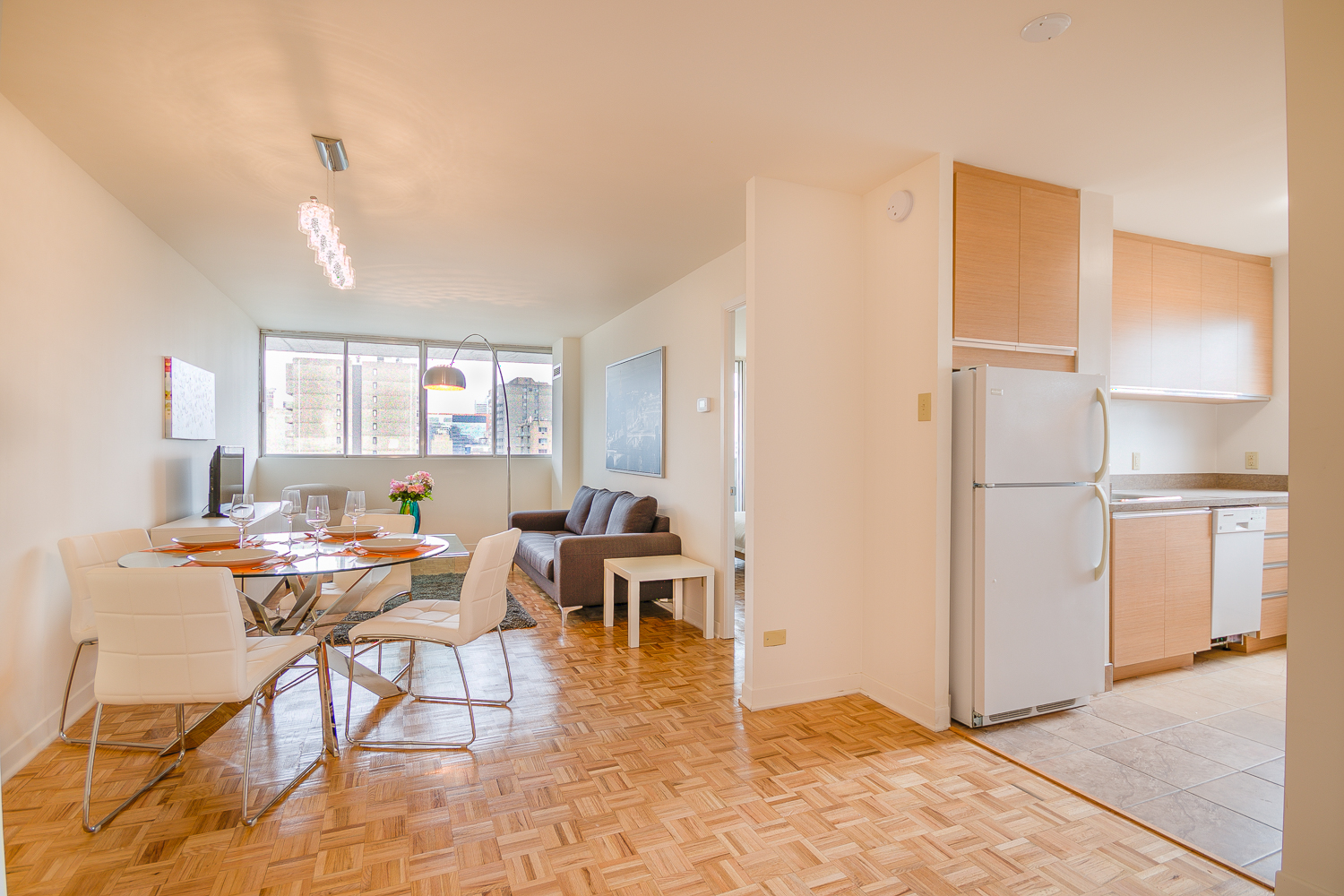 Studio / Bachelor Apartments for rent in Montreal (Downtown) at 2021 Atwater - Photo 05 - RentQuebecApartments – L1669