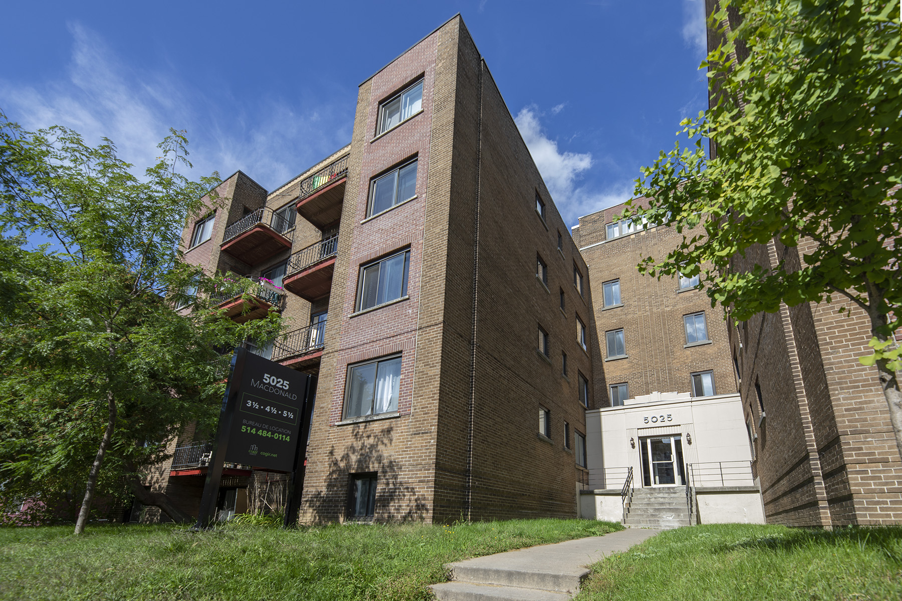 1 bedroom Apartments for rent in Cote-St-Luc at Les immeubles MacDonald - Photo 02 - RentQuebecApartments – L401535