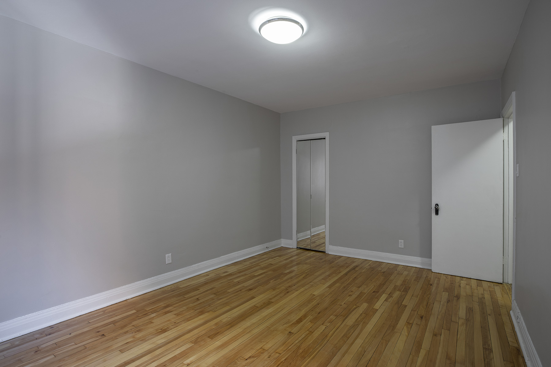 1 bedroom Apartments for rent in Cote-St-Luc at Les immeubles MacDonald - Photo 05 - RentQuebecApartments – L401535