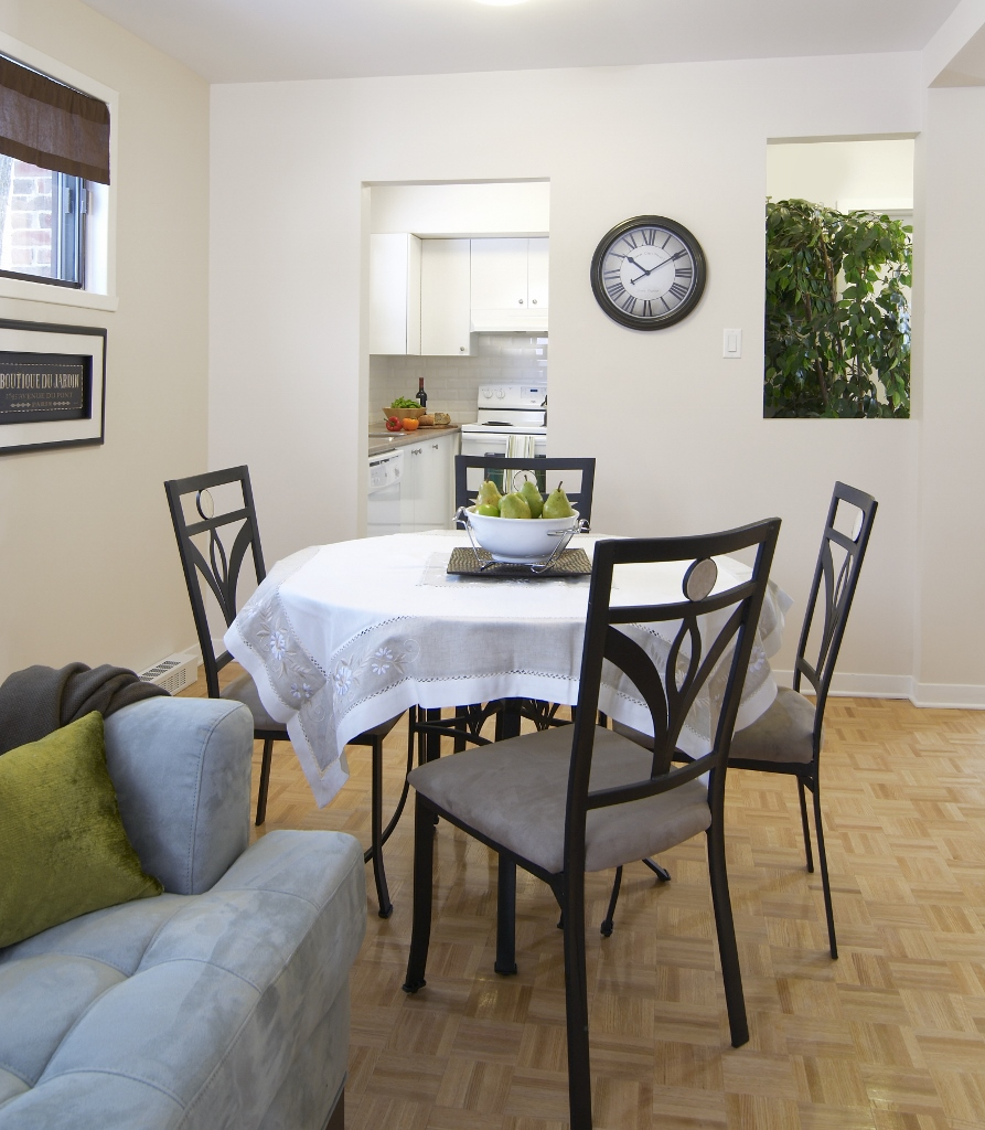 2 bedroom Apartments for rent in Pointe-Claire at Southwest One - Photo 04 - RentQuebecApartments – L682