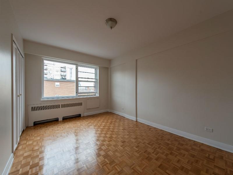 3 bedroom Apartments for rent in Westmount at Metcalfe - Photo 01 - RentQuebecApartments – L168609
