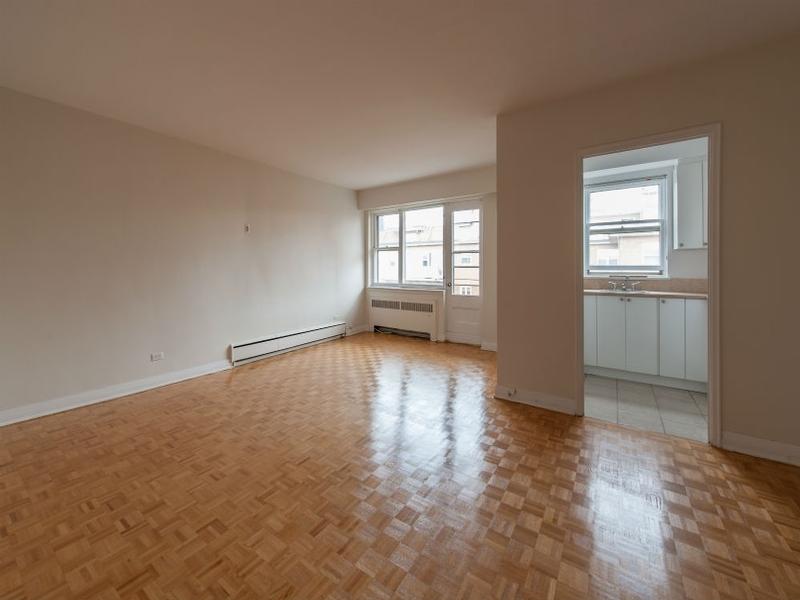 3 bedroom Apartments for rent in Westmount at Metcalfe - Photo 06 - RentQuebecApartments – L168609