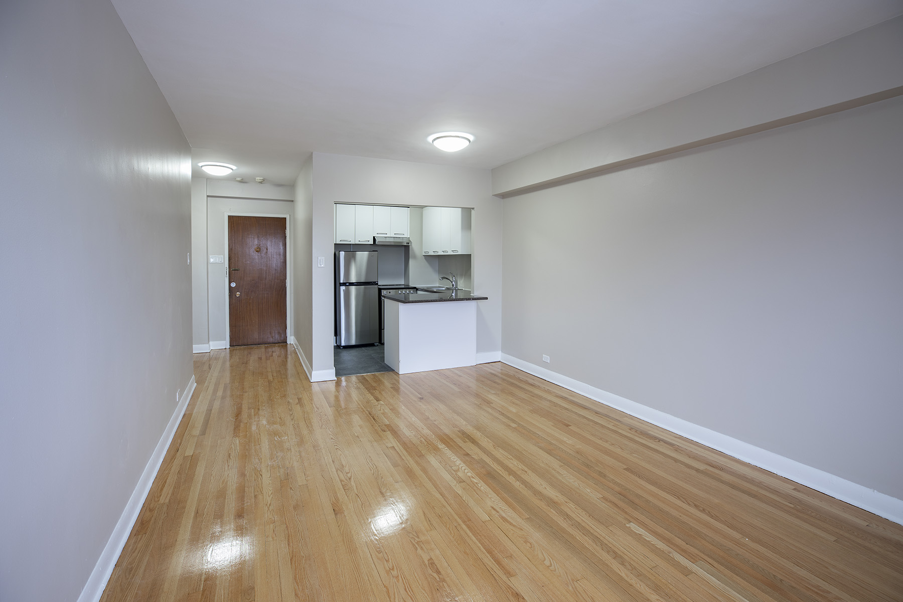 3 bedroom Apartments for rent in Montreal West at 6955 Fielding - Photo 04 - RentQuebecApartments – L401543