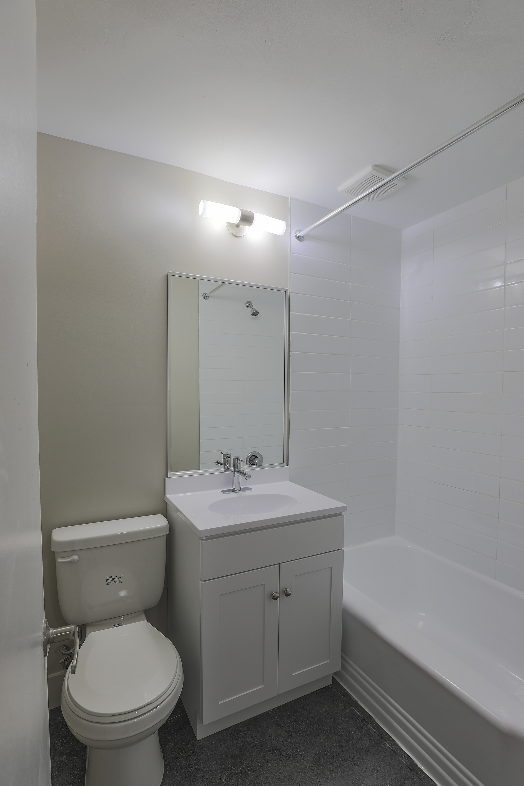 3 bedroom Apartments for rent in Montreal West at 6955 Fielding - Photo 10 - RentQuebecApartments – L401543